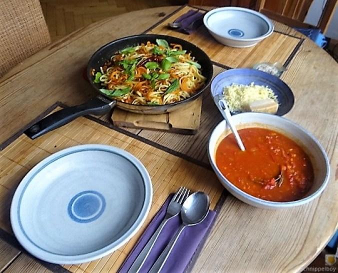 Linguine,scharfe Tomatensauce und Karotten Zoodles (5)