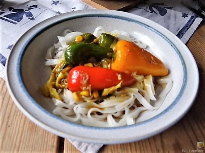 Gemüse in Kokosmilch und Reisnudeln (18)