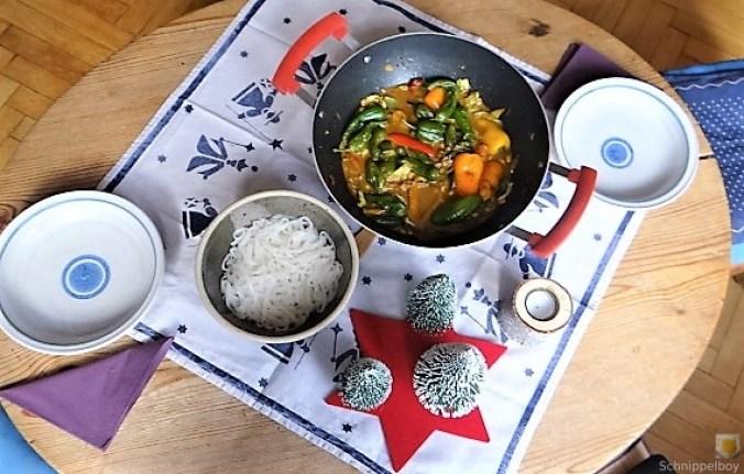 Gemüse in Kokosmilch und Reisnudeln (5)