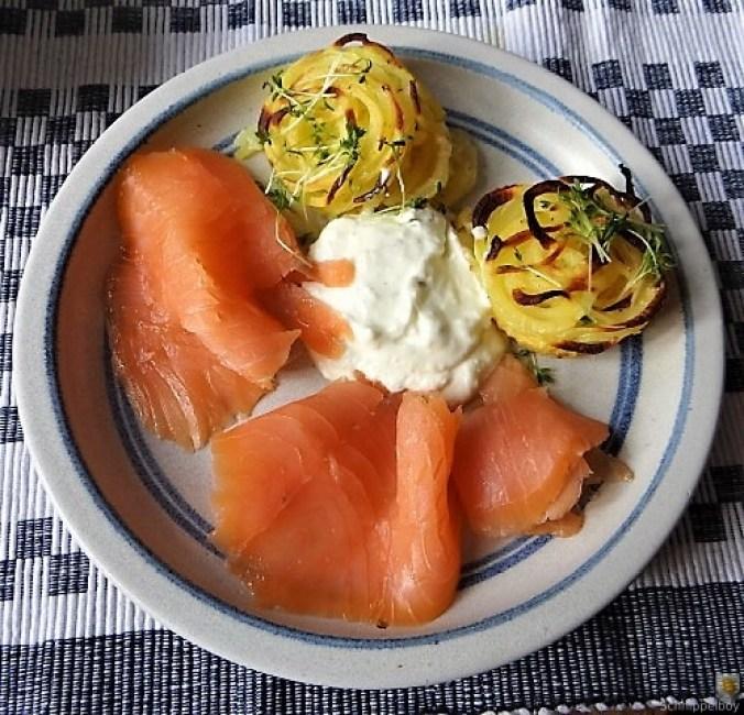 Kartoffelküchlein, Lachs, Meerrettichdip (1)