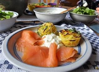 Kartoffelküchlein, Lachs, Meerrettichdip (25)