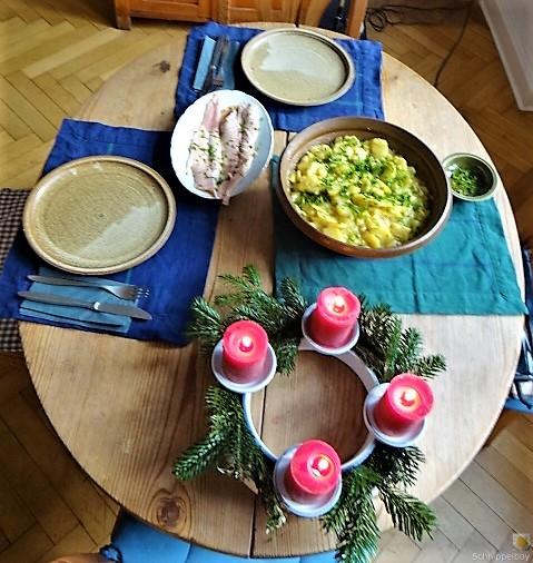 Kartoffelsalat mit frisch geräucherter Forelle (6)