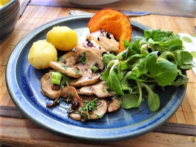 Ricottanocken,Champignon,Salat,Kürbis (2)