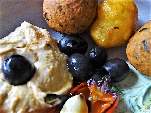 Falafel, Hummus, Gemüse, (24)