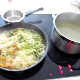 Nudeln mit Paprika und Tomaten (14)