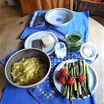 Bandnudeln,grüner Spargel, Tomaten und Bärlauchpesto (14)