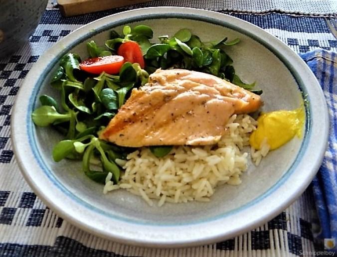 Lachsforelle,Reis und Feldsalat (2)