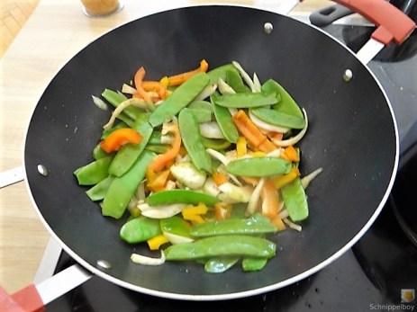 Wokgemüse mit Reisnudeln (8)