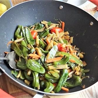 Wokgemüse und Erbs-Ricotta Creme (14)
