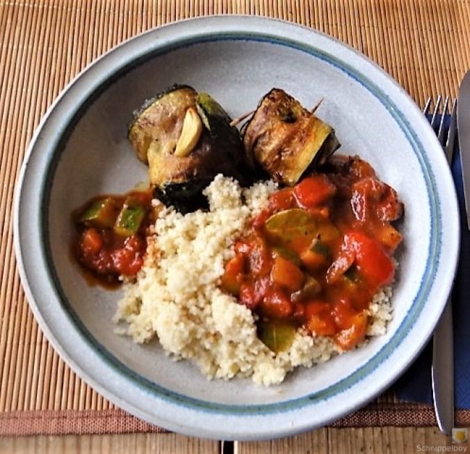 Zucchini-Auberginen Röllchen mit Couscous (1)