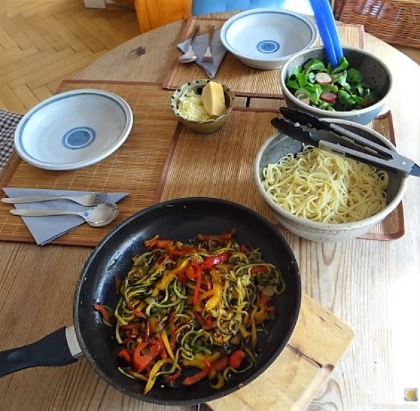 Zucchini Zoodles, Spaghetti, Felfsalat (20)