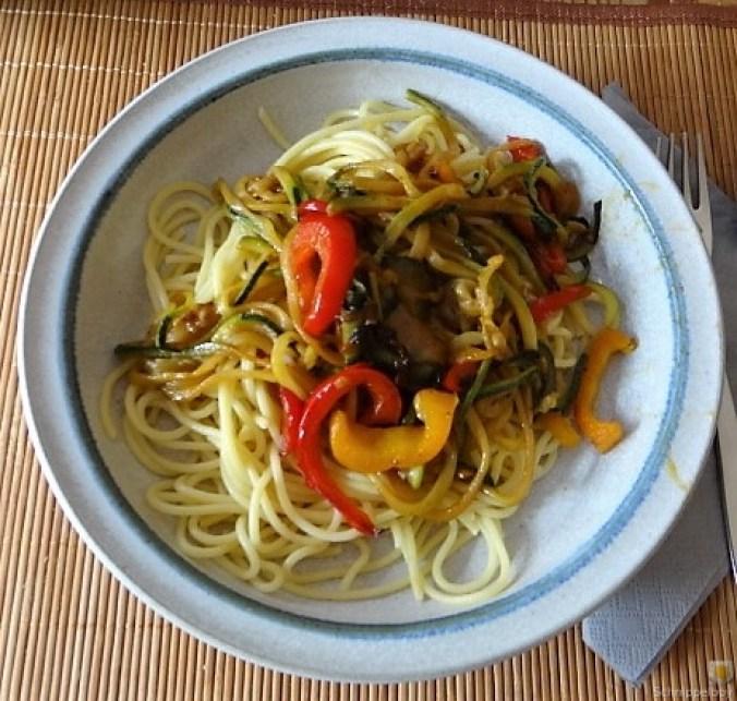 Zucchini Zoodles, Spaghetti, Felfsalat (3)