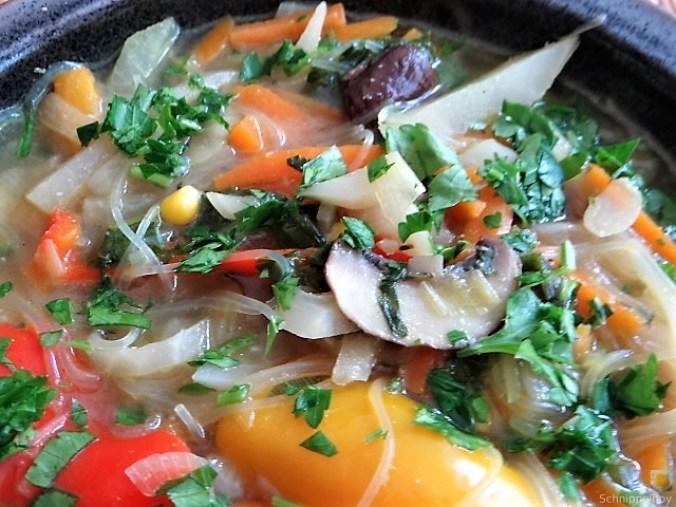 Gemüsesuppe mit Glasnudeln (3)