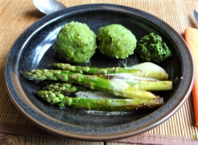 Grüne Klöße, Grüner Spargel, Zitronensauce (2)