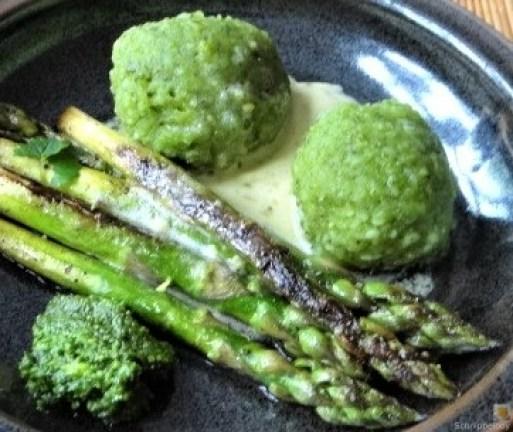 Grüne Klöße, Grüner Spargel, Zitronensauce (4)