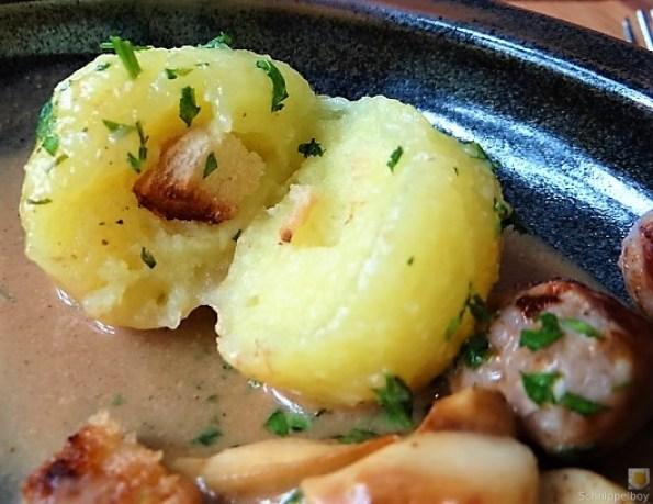 Kleine Klöse, Kleine Fleischbällchen,Pilze, Sauce (5)