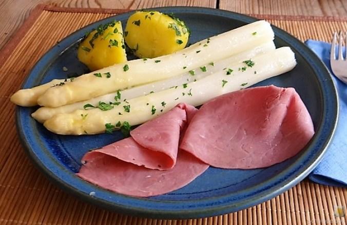 Spargel,Rinderschinken,Erdbeeren (1)