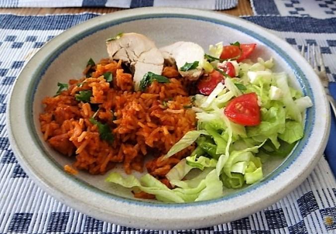 Tomatenreis und Salat (3)