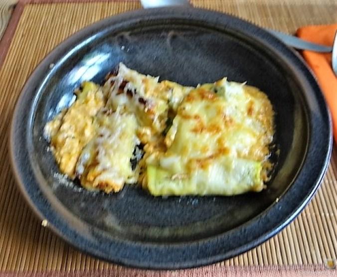 Zucchini und Kartoffelröllchen mit Fetacreme (2)
