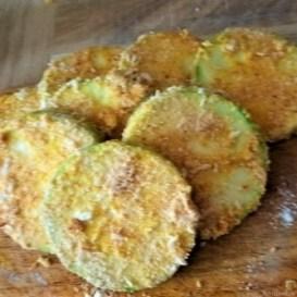 Frittierte-Zucchini-mit-Gorgonzolasauce-11