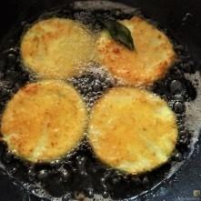 Frittierte-Zucchini-mit-Gorgonzolasauce-18