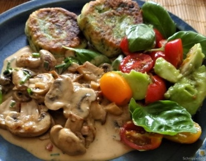 Kartoffel-Spinat Taler, Champignon, Tomaten-Avocado Salat (29)