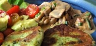 Kartoffel-Spinat Taler, Champignon, Tomaten-Avocado Salat (32)