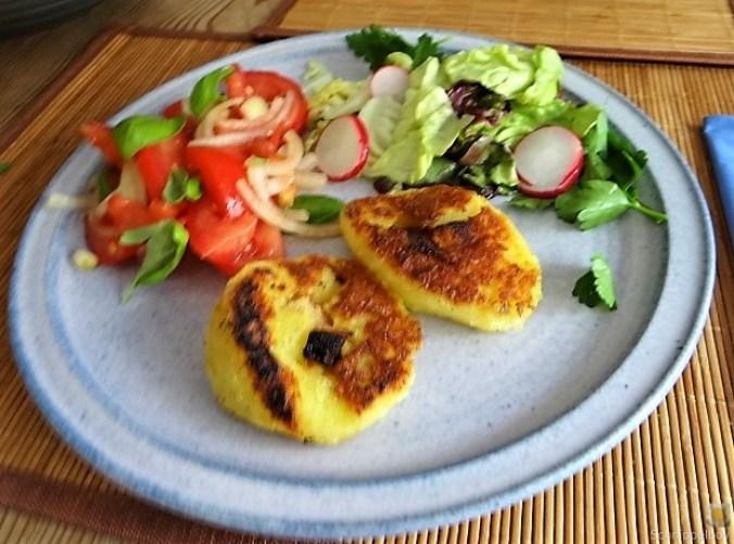 Kloßscheiben und Salate (1)