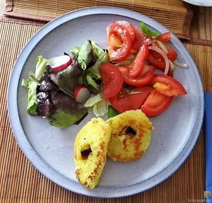 Kloßscheiben und Salate (24)