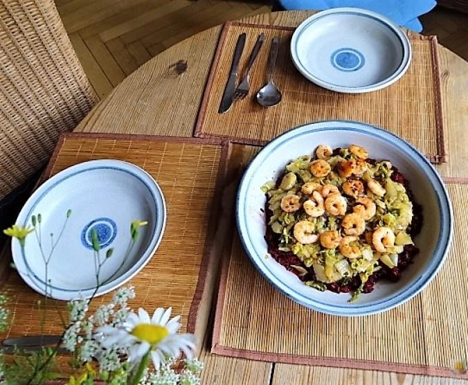Roter Reis mit Chinakohl und Garnelen (7)