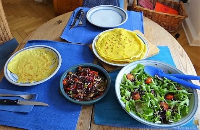 Eierpfannkuchen mit Pilz-Gemüse Füllung und Pflücksalat (21)
