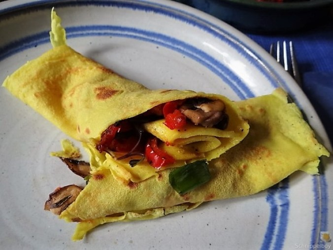 Eierpfannkuchen mit Pilz-Gemüse Füllung und Pflücksalat (3)