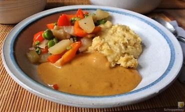Gedämpftes Gemüse, Ernußsauce und Polenta, (30)