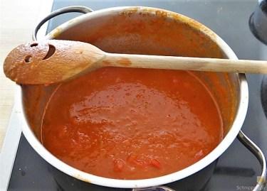 Kartoffelröllchen in Tomatensauce (26)