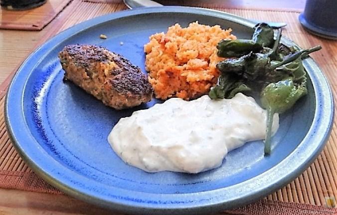 Bifteki mit Pimientos und Reis (2)