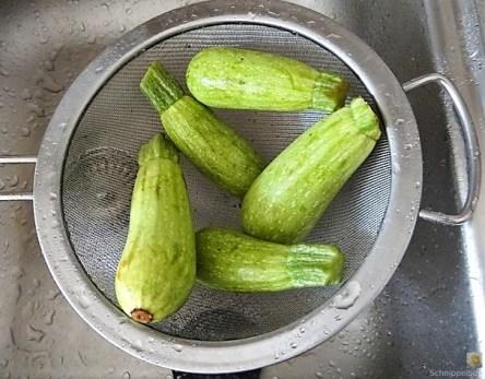 Spitzpaprika in Kokosmilch mit Minizucchini und Reisnudeln (14)