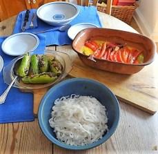 Spitzpaprika in Kokosmilch mit Minizucchini und Reisnudeln (18)