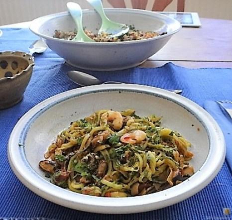 Zucchini Zoodles, Gemüse und Meeresfrüchte (17)