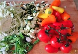 Nudel-Gemüse Pfanne mit geräuchertem Lachs (10)