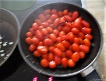 Omelett mit geschmorten Tomaten (10)