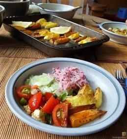 Salate und Kartoffelspalten (23)