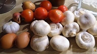 Champignon Quiche, Tomatensalat (9)