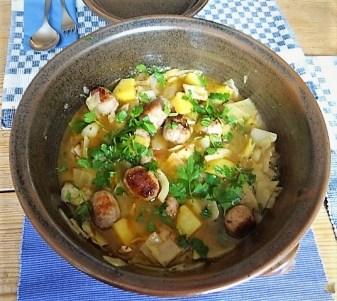 Weißkohleintopf mit Mettbällchen, Obstsalat (15)