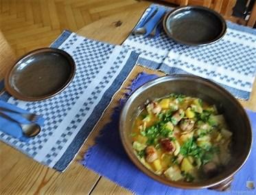 Weißkohleintopf mit Mettbällchen, Obstsalat (17)