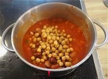 Kichererbsen in scharfer Tomatensaucen (14)