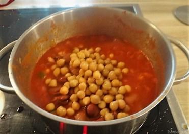 Kichererbsen in scharfer Tomatensaucen (15)