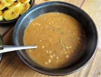 Zwiebelsauce, Sauerkrautsalat, Klöße (14)
