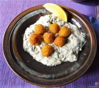 Bulgurklößchen mit Joghurt-Spinat (29a)