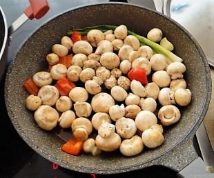 Pak Choi, Champignons und Kartoffelspalten (16)