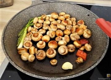 Pak Choi, Champignons und Kartoffelspalten (18)